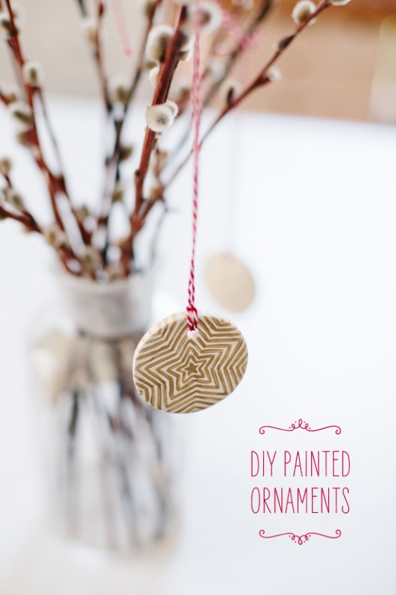 Lovely handmade christmas craft ideas saysie for Painted glass ornaments crafts