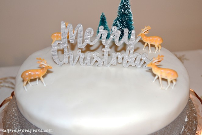 christmas-cake-close-up