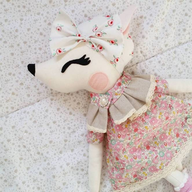 Miss Audrey - Hazel Deer