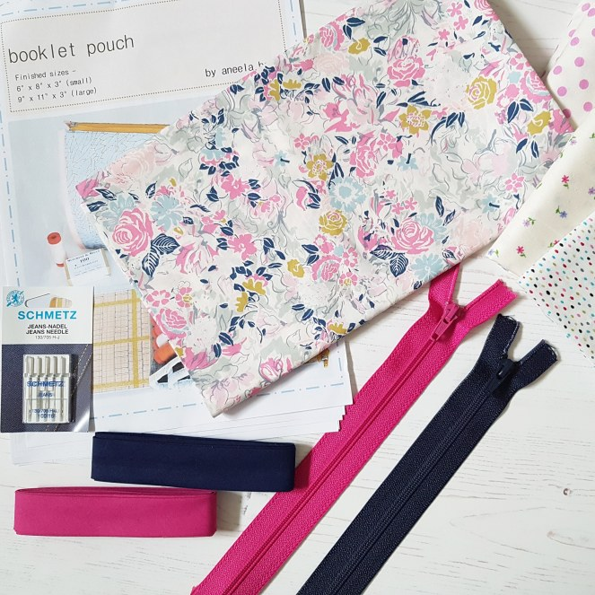 Booklet pouch sal fabric pull