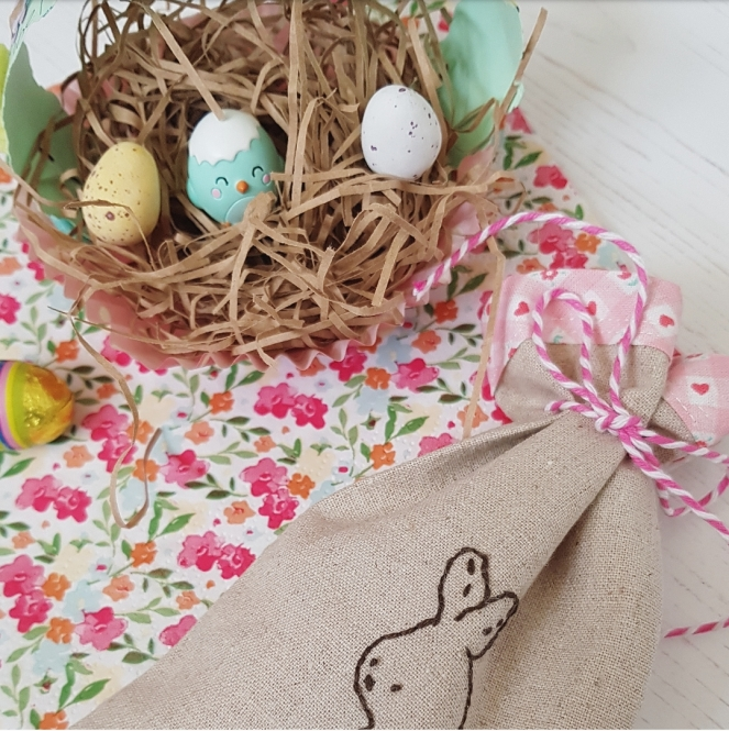 Little bunny treat bag with momiji chick