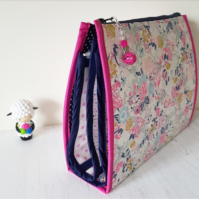 Booklet Pouch SAL