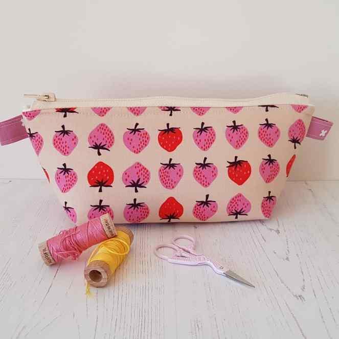 Zippered basket pouch