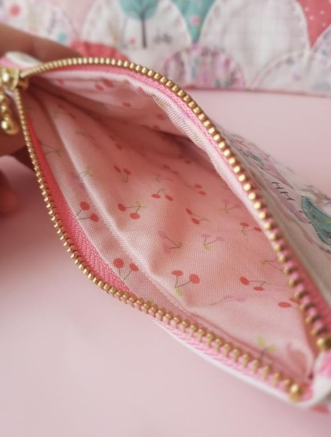 Primrose Fabrics Clamshell Pouch