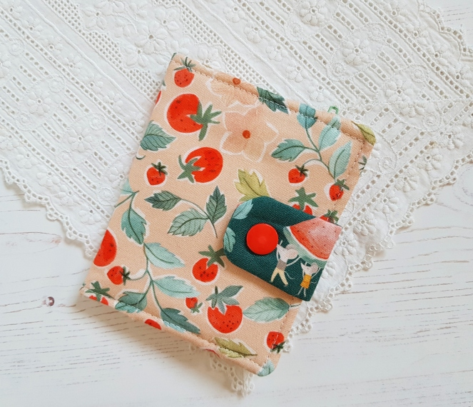 Kalina Wallet - Apple Green Cottage Pattern