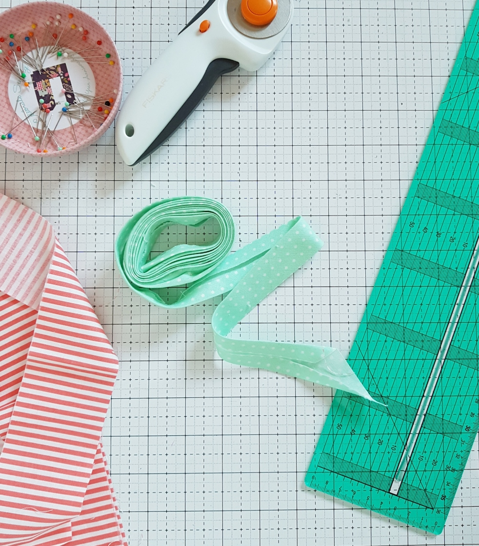 Making bias binding with a Clover Binding Ruler