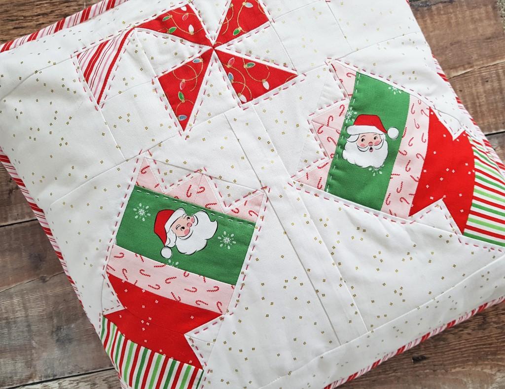 Santa Claus Lane -Pull Bang Pop pillow