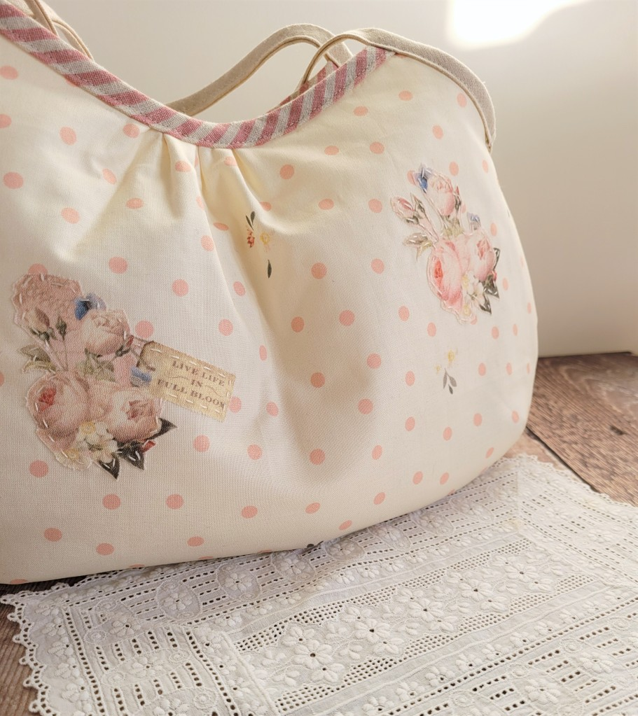 Rose and Violet Garden Clamshell Granny Bag