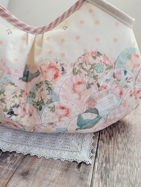 Rose and Violet Garden Clamshell Granny Bag